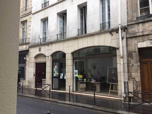 Locaux commerciaux à Louer PARIS 75005