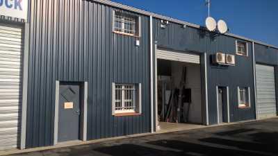 Local d'activité 230 m² Gratentour