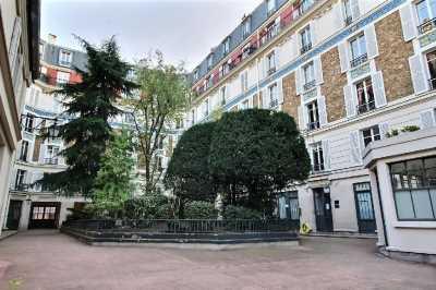 55m² de Locaux professionnels à Louer à PARIS 75007