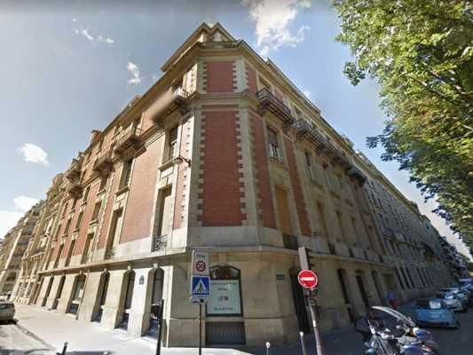 118m² de Bureaux à Vendre à PARIS 75007