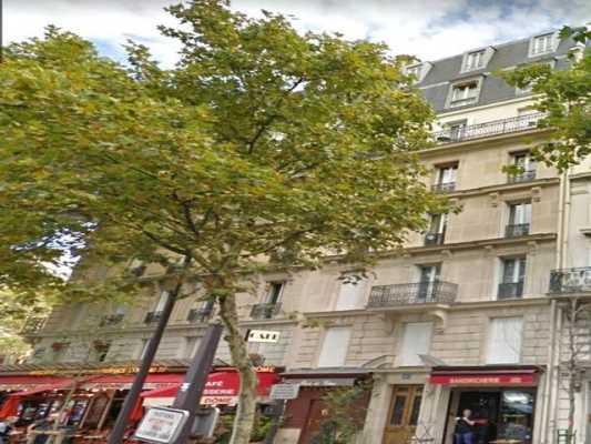 43m² de Boutique à Vendre à PARIS 75007