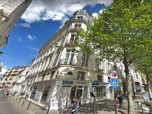174,3m² de Boutique à Louer à PARIS 75007