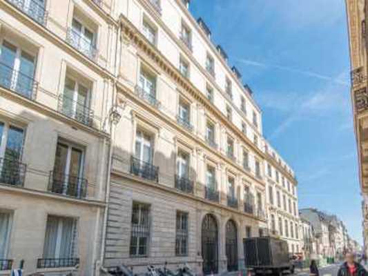 120m² de Bureaux à Vendre à PARIS 75007