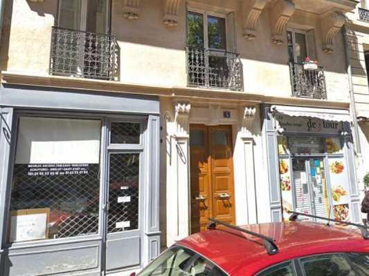 56m² de Boutique à Vendre à PARIS 75007
