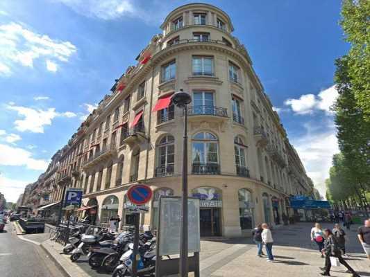 79m² de Locaux commerciaux à Louer à PARIS 75008