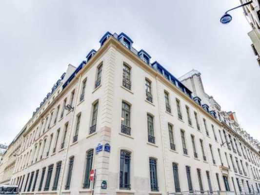 297,7m² de Bureaux à Louer à PARIS 75008