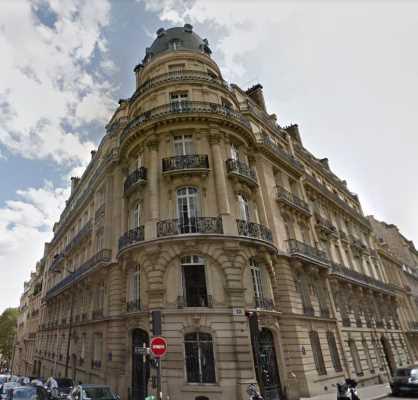 447m² de Locaux professionnels à Louer à PARIS 75008