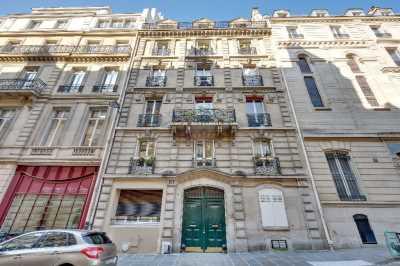236m² de Bureaux à Vendre à PARIS 75008