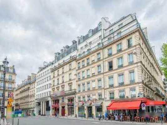 160m² de Bureaux à Louer à PARIS 75008