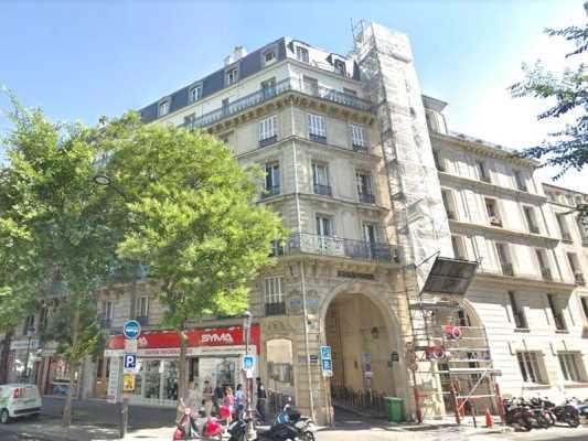 121m² de Locaux professionnels à Vendre à PARIS 75010