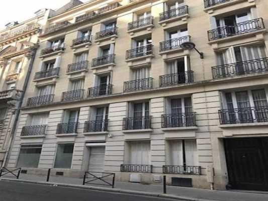 114,65m² de Locaux professionnels à Louer à PARIS 75016