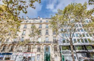 379m² de Locaux professionnels à Vendre à PARIS 75017