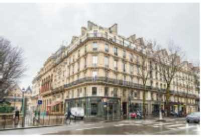 98m² de Locaux professionnels à Louer à PARIS 75003