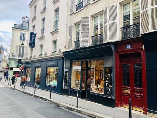 68m² de Boutique à Louer à PARIS 75006