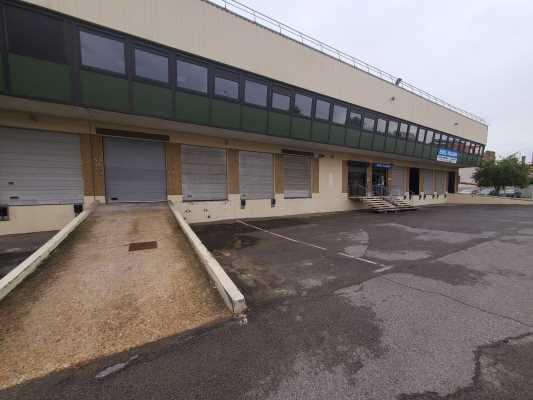 Photo du bien :  à Louer Locaux d'activité 94400 VITRY SUR SEINE offre 265141
