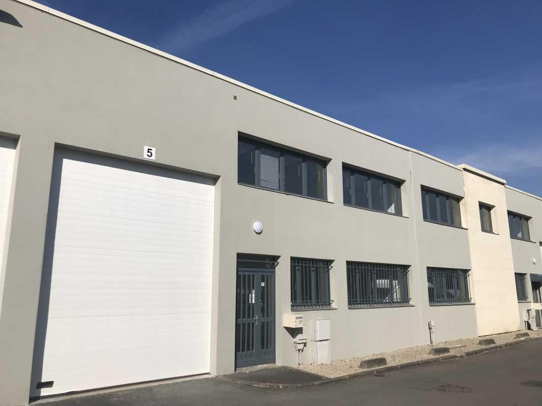 Photo du bien :  à Louer Locaux d'activité 77184 EMERAINVILLE offre 488036
