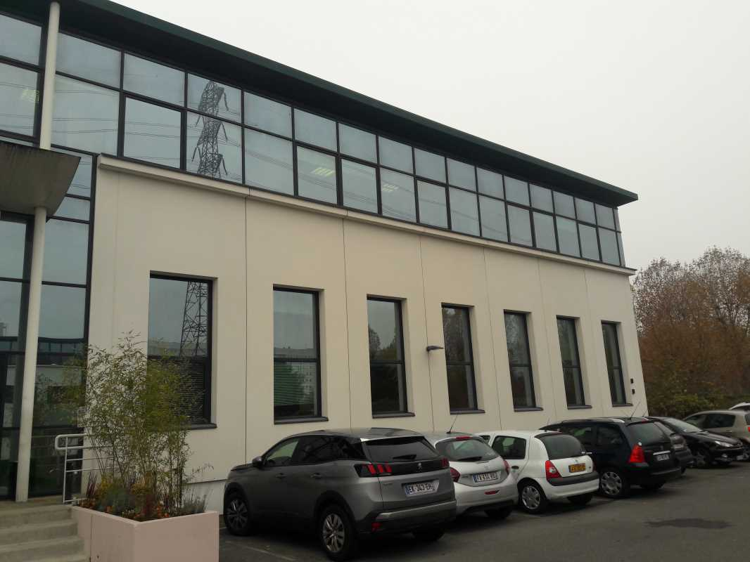 Photo du bien :  à Louer Activités et Bureaux 92390 VILLENEUVE LA GARENNE offre(...)