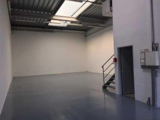 Photo du bien :  à Louer Locaux d'activité 60230 CHAMBLY offre 570037