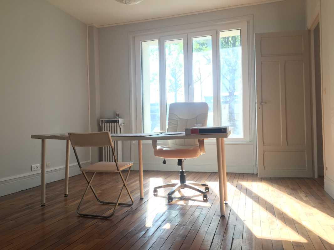 Photo du bien :  à Louer Bureaux 75016 PARIS offre 635854