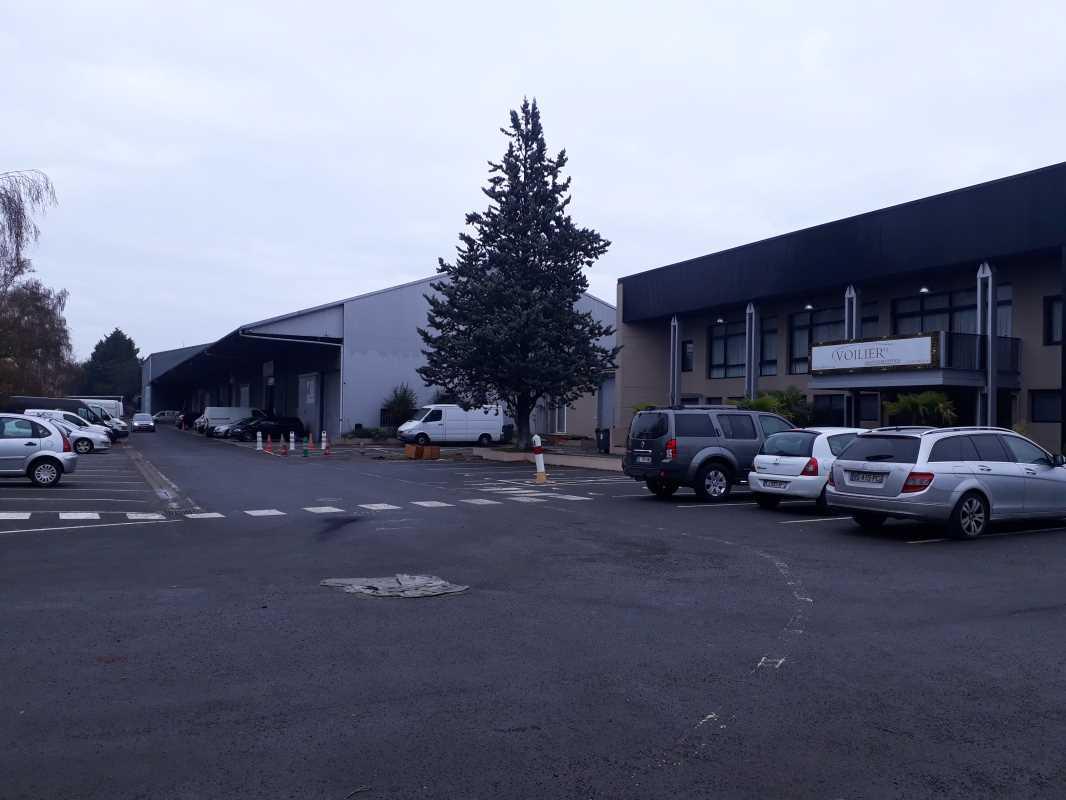 Photo du bien :  à Louer Entrepôt et Locaux d'activité 91180 SAINT GERMAIN LES ARPAJON(...)