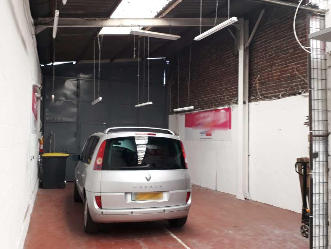 Photo du bien :  à Vendre Locaux d'activité 94190 VILLENEUVE SAINT GEORGES offre(...)