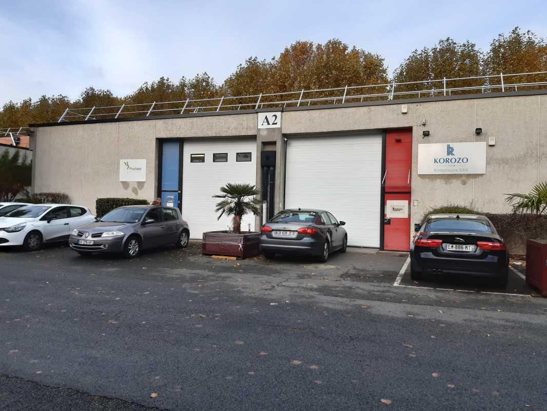 Photo du bien :  à Louer Locaux d'activité 93200 SAINT DENIS offre 668980