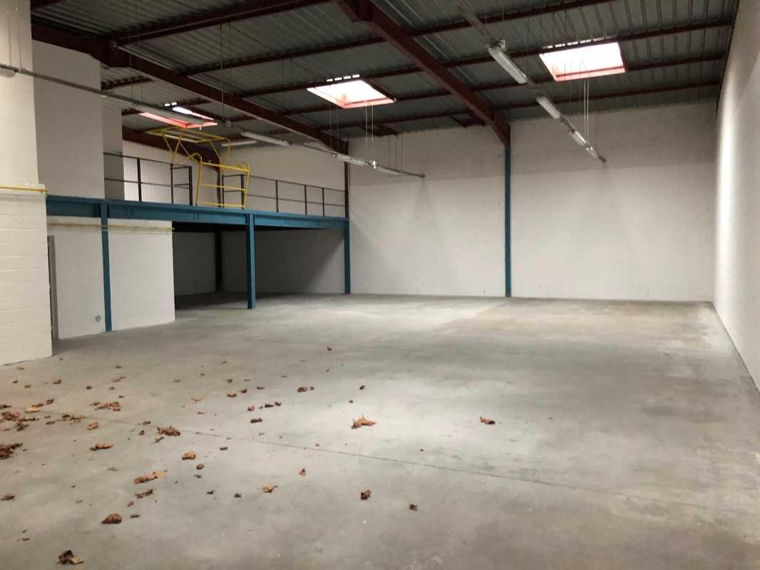 Photo du bien :  à Louer Entrepôt et Locaux d'activité 77165 SAINT SOUPPLETS offre(...)