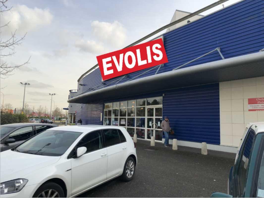 Photo du bien :  à Louer Locaux commerciaux 78310 MAUREPAS offre 692864