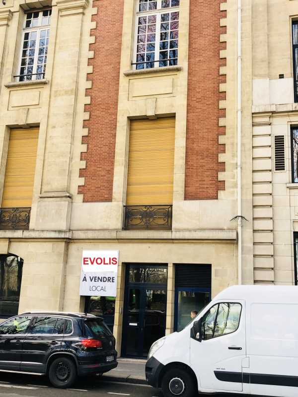 Photo du bien :  à Vendre Bureaux et Locaux commerciaux 75007 PARIS offre 700486