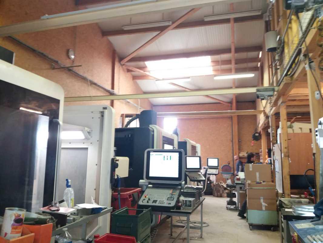 Photo du bien :  à Louer Locaux d'activité 78310 MAUREPAS offre 710896