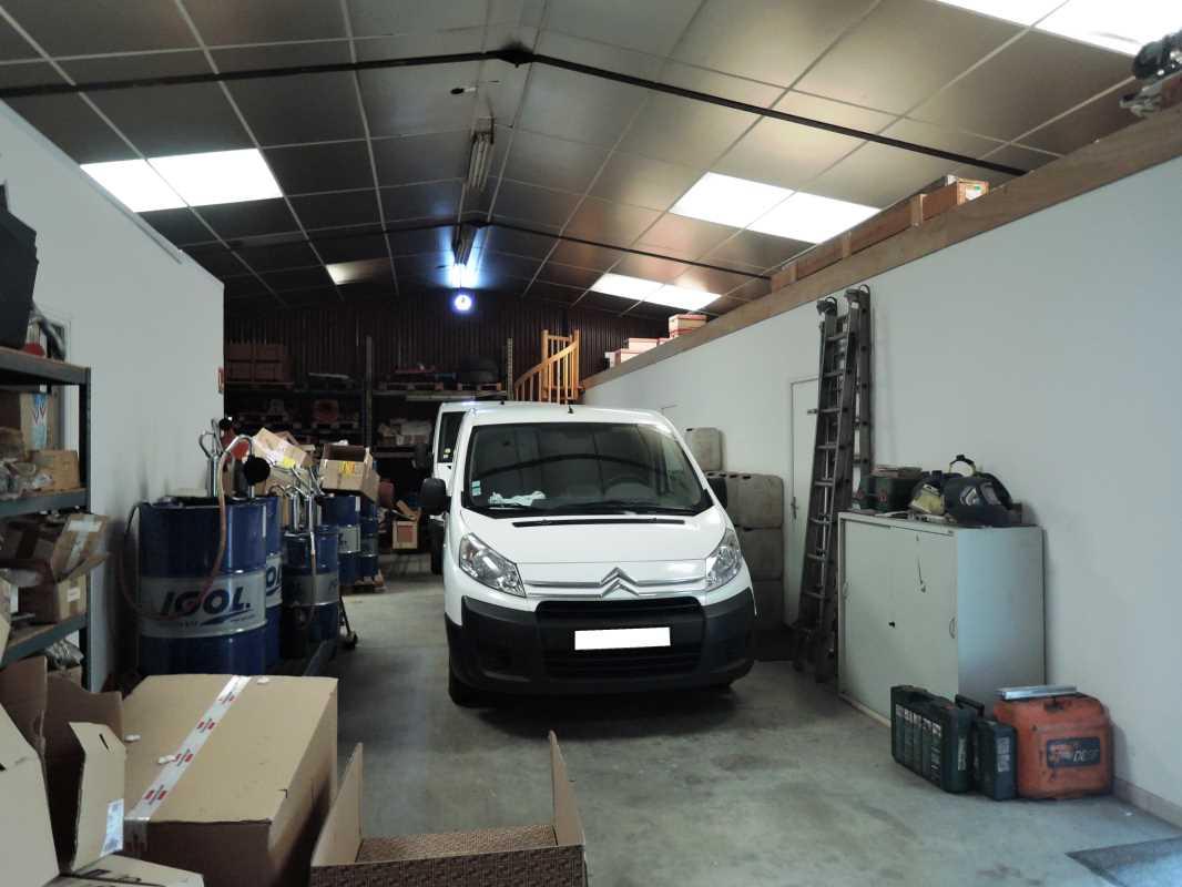 Photo du bien :  à Vendre Locaux d'activité 77220 TOURNAN EN BRIE offre 717741