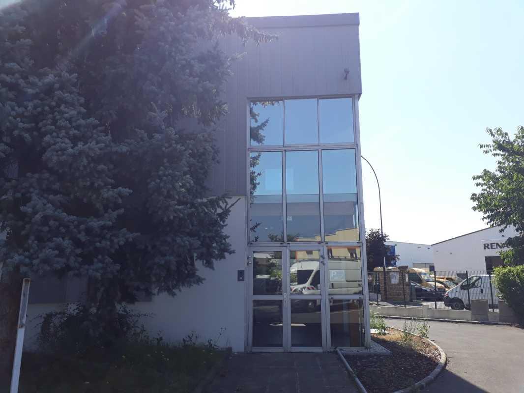 Photo du bien :  à Louer Activités et Bureaux 94420 LE PLESSIS TREVISE offre 745256