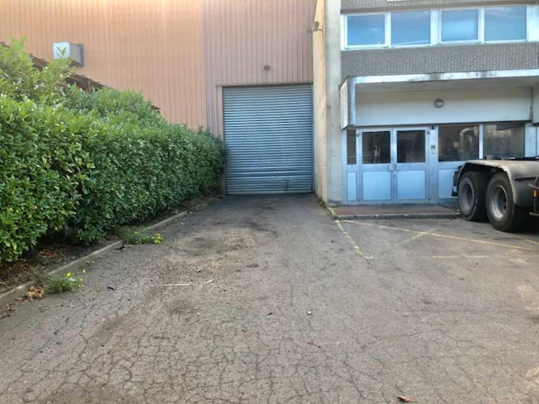 Photo du bien :  à Vendre Locaux d'activité 95310 SAINT OUEN L'AUMONE offre(...)