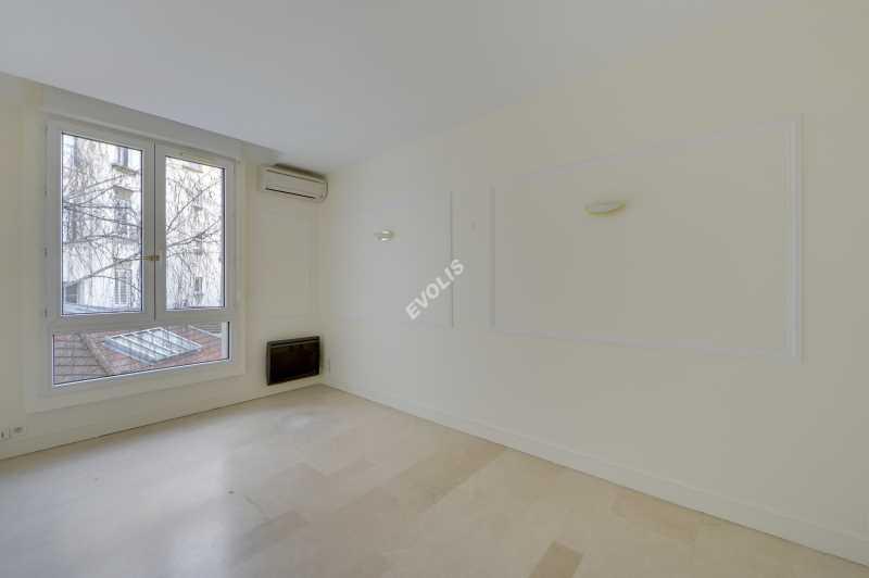 Photo du bien :  à Louer Bureaux 92100 BOULOGNE BILLANCOURT offre 766244