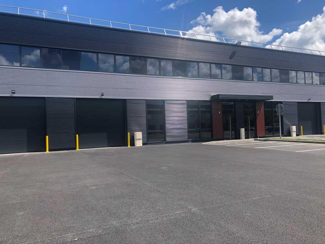 Photo du bien :  à Louer Locaux d'activité 78990 ELANCOURT offre 789370