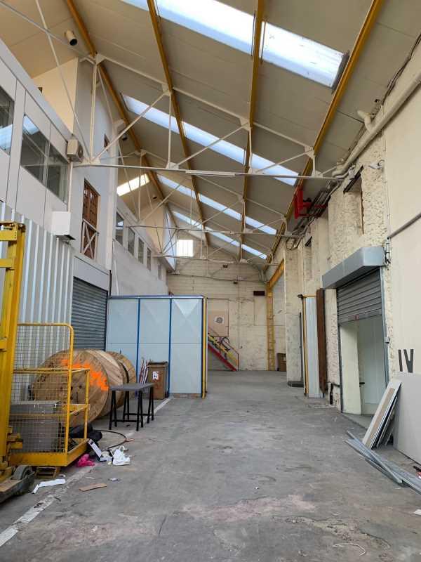 Photo du bien :  à Vendre Locaux d'activité 91320 WISSOUS offre 792573