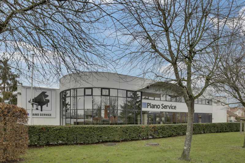 Photo du bien :  à Louer Locaux d'activité 78310 MAUREPAS offre 810394