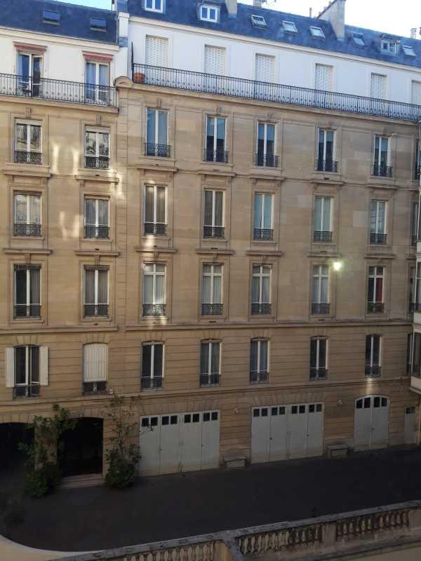 Photo du bien :  à Louer Bureaux 75008 PARIS offre 829680