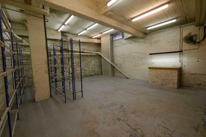 Photo du bien :  à Louer Entrepôts 75016 PARIS offre 834992