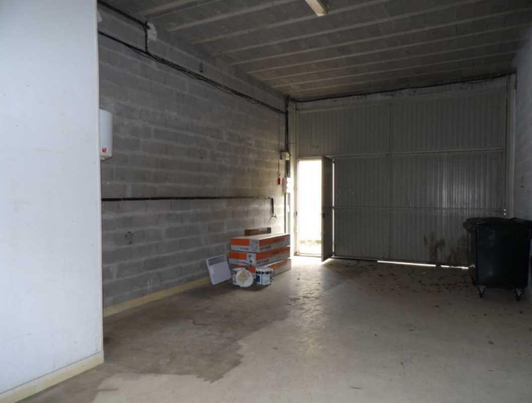 Photo du bien :  à Louer Locaux d'activité 78920 ECQUEVILLY offre 838019