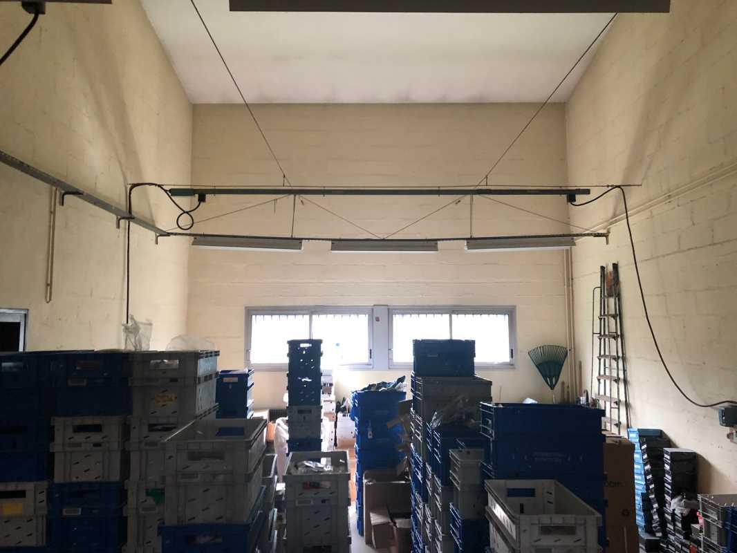 Photo du bien :  à Vendre Locaux d'activité 78500 SARTROUVILLE offre 839490