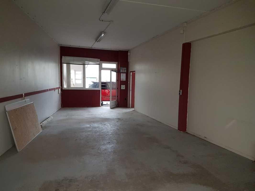 Photo du bien :  à Louer Locaux d'activité 78690 LES ESSARTS LE ROI offre 846319