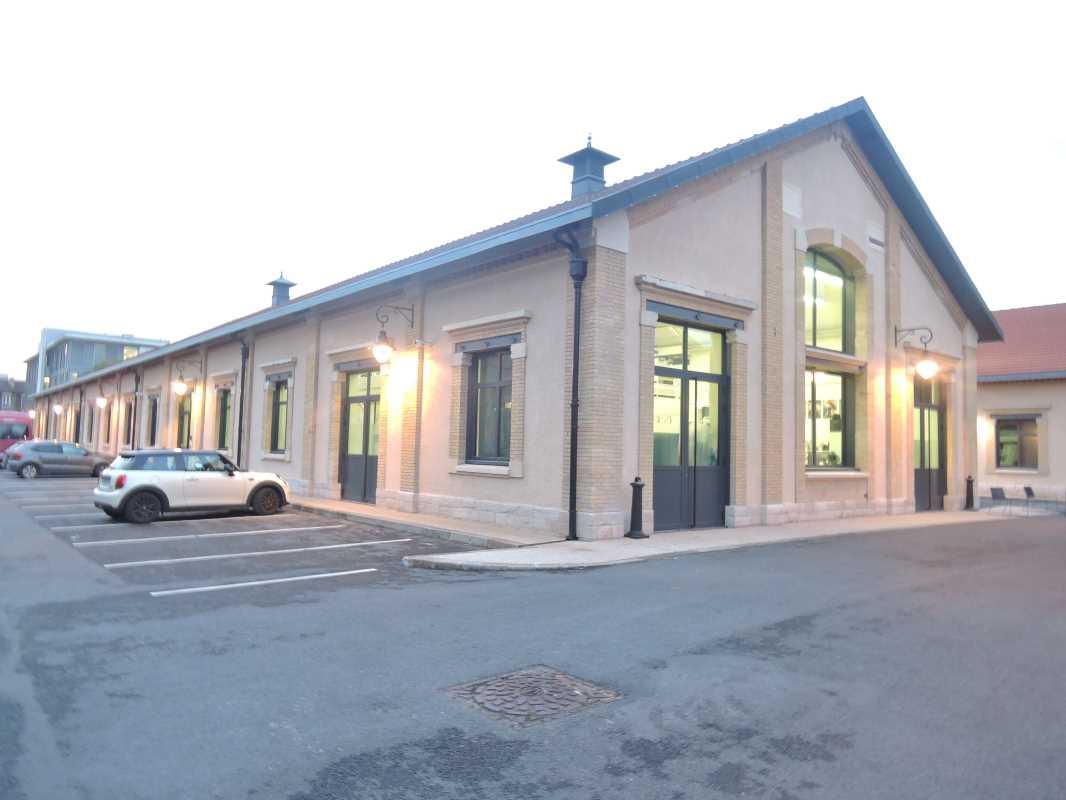 Photo du bien :  à Louer Entrepôt et Locaux d'activité 93300 AUBERVILLIERS offre(...)