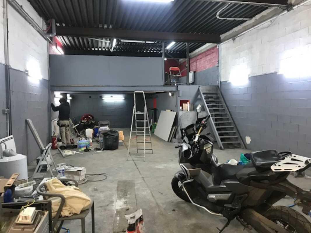 Photo du bien :  à Louer Locaux d'activité 95500 LE THILLAY offre 850250