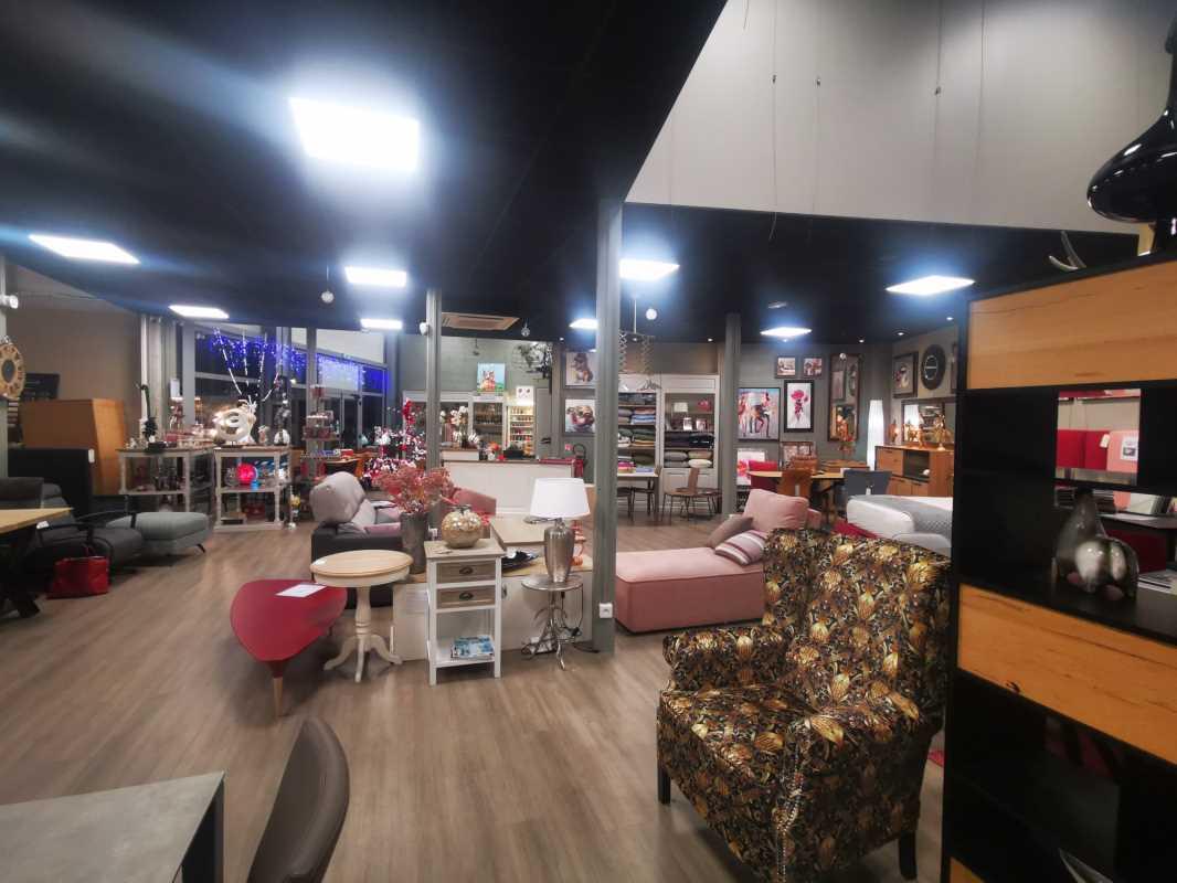 Photo du bien :  à Louer Locaux commerciaux 77700 MAGNY LE HONGRE offre 855782