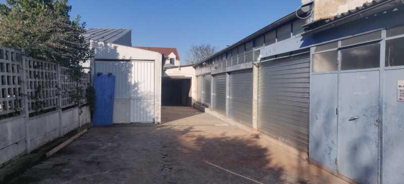 Photo du bien :  à Louer Locaux d'activité 92000 NANTERRE LA DEFENSE offre(...)