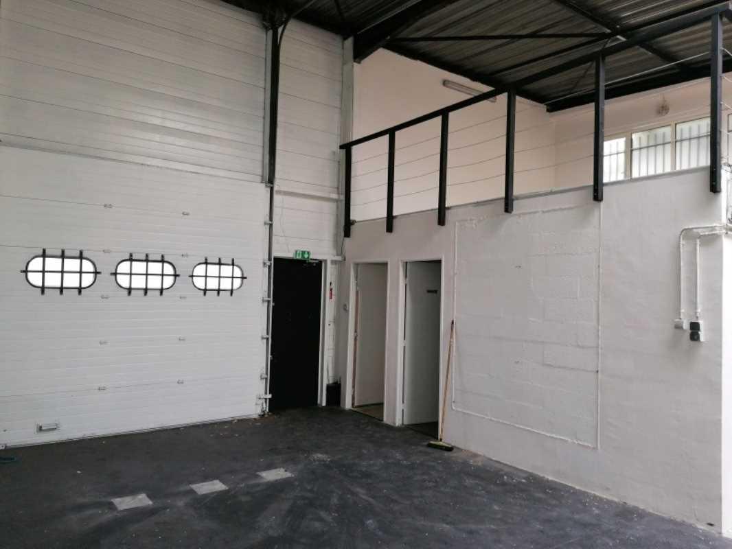 Photo du bien :  à Louer Locaux d'activité 95320 SAINT LEU LA FORET offre 857011