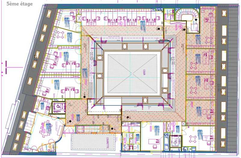 Bureaux de 1165 m² À louer à Paris 18e Arrondissement