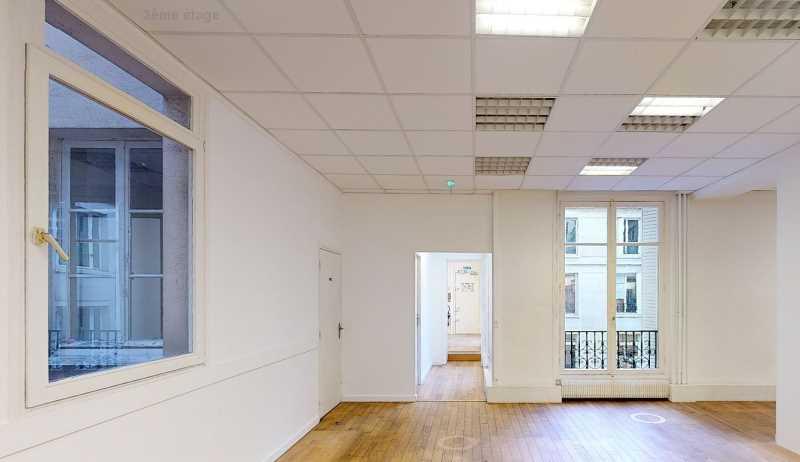Bureaux de 324 m² À louer à Paris 8e Arrondissement