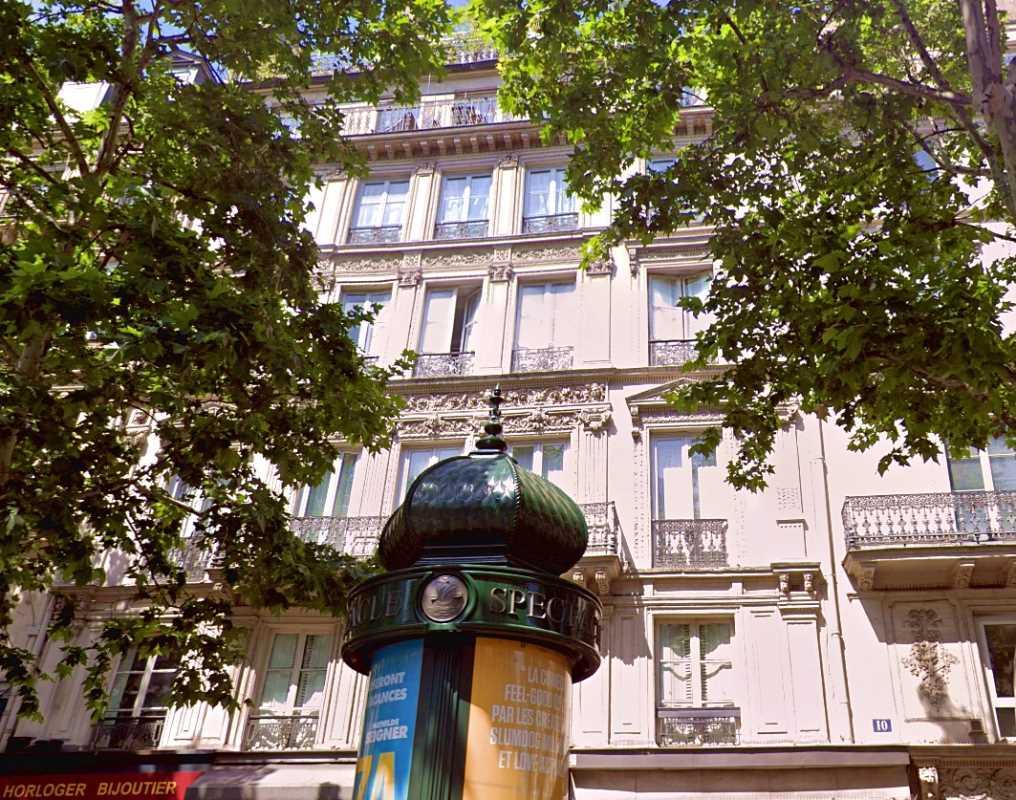 Bureaux de 153 m² À vendre à Paris 10e Arrondissement